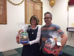 Pam Livingston and Alister Stuck   PN 18 Christmas Cheer winners.JPG